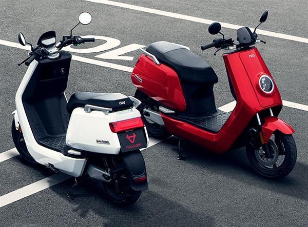 小牛电动推出新品电动摩托 官方称是速度与激情的出行工具
