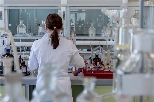 """微小无脑的单细胞团它们能""""改变主意"""" 避免接触刺激性物质"""