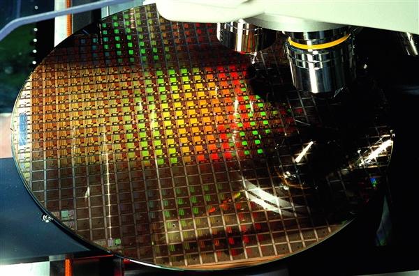 台积电7nm制程处于持续满载状态:Intel正考虑下单