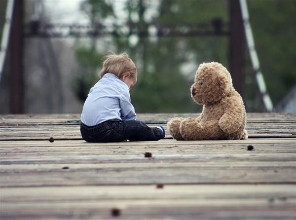 新研究指出:最影响中儿童大脑发育的是这四种化学物质
