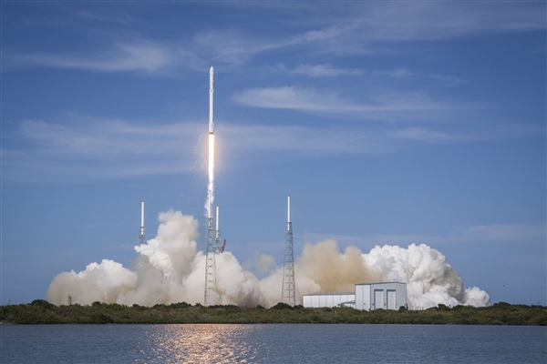 3.4亿元火箭被SpaceX故意炸毁 马克斯表示非常开心