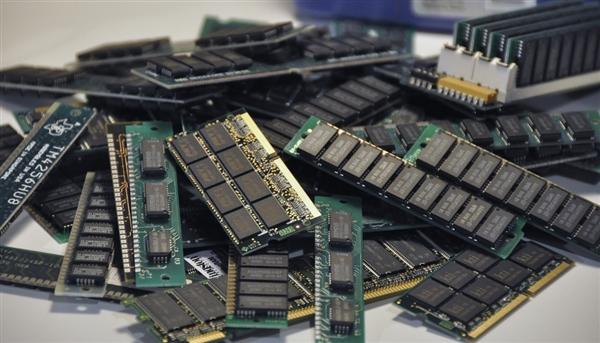 英国新一代DDR5内存推出:新的内存替代技术10ns延迟、功耗仅有1%