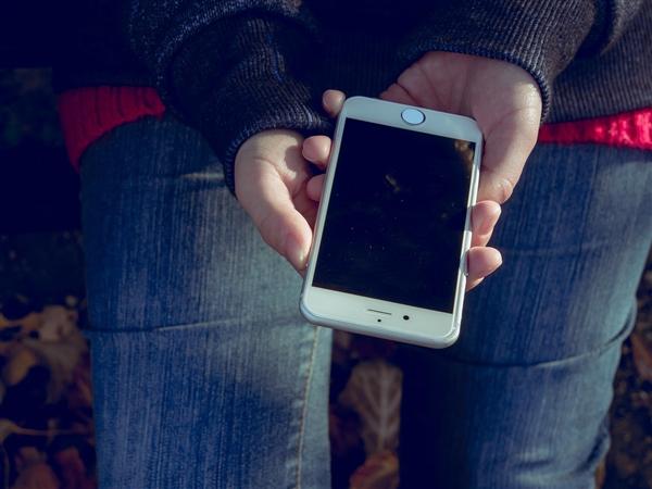 中国手机市场受某些因素影响 iPhone将下调第一季度出货量