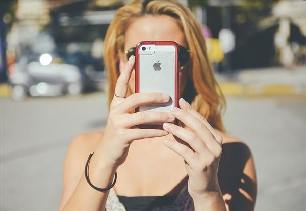 苹果廉价版iPhone大规模生产计划 将推迟到3月份