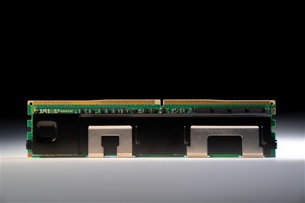 Intel在Linux内核更新新补丁代码 双路系统优化提升116%