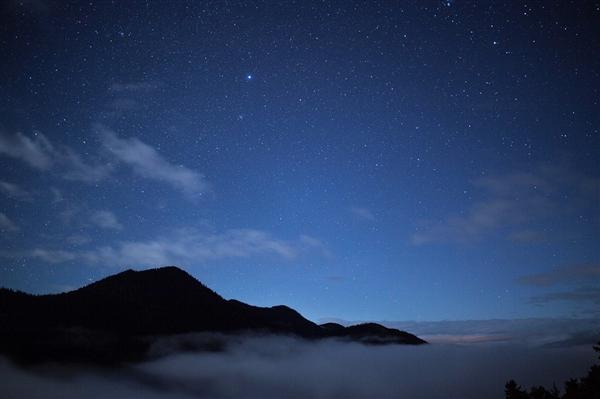 """宇宙是何时""""苏醒""""的?被宇宙射线加热的气体"""