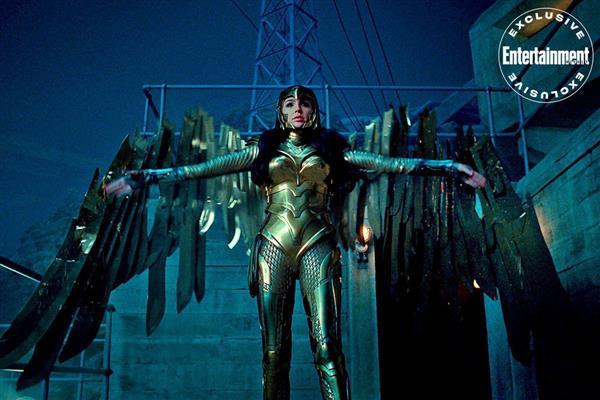 《神奇女侠1984》新剧照公开:女侠身披金鹰铠甲 时刻准备战斗