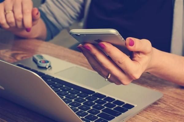 新研究:智能手机会像药物一样会让大脑产生依赖性行为