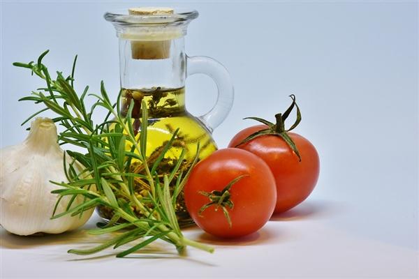 健康饮食是延长寿命和减轻衰老的重要关键 还能预防疾病