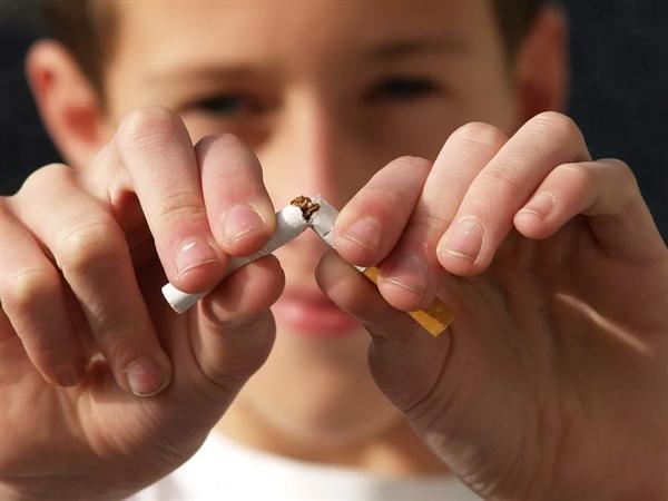 二手烟危害究竟有多大?有可能导致慢性肝病发病率飙升