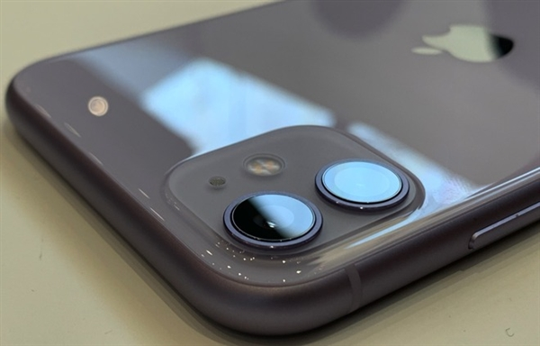 欧盟呼吁所有手机统一充电接口 苹果反对使用统一充电器