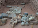 """成都罕见崖墓再现古人的""""身后世界"""" 是近年来三国时期文物的重大发现"""