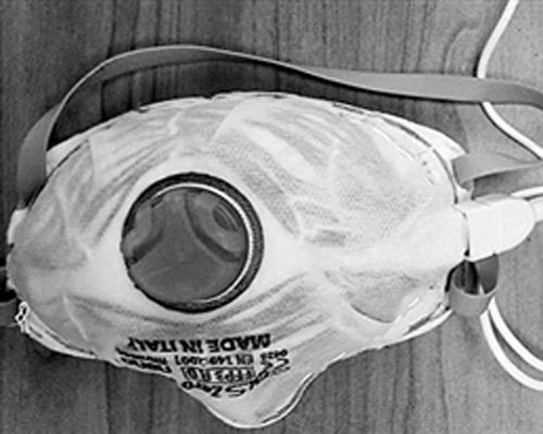 以色列研究人员:新型口罩插电消毒可重复使用