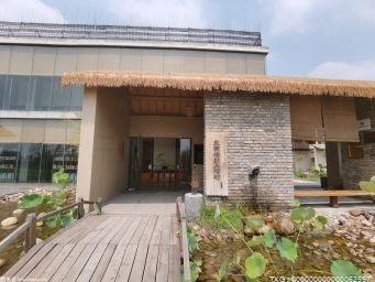 家里装修的木质地板该如何保养?